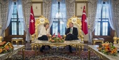 Merkel beim türkischen Sultan Erdogan